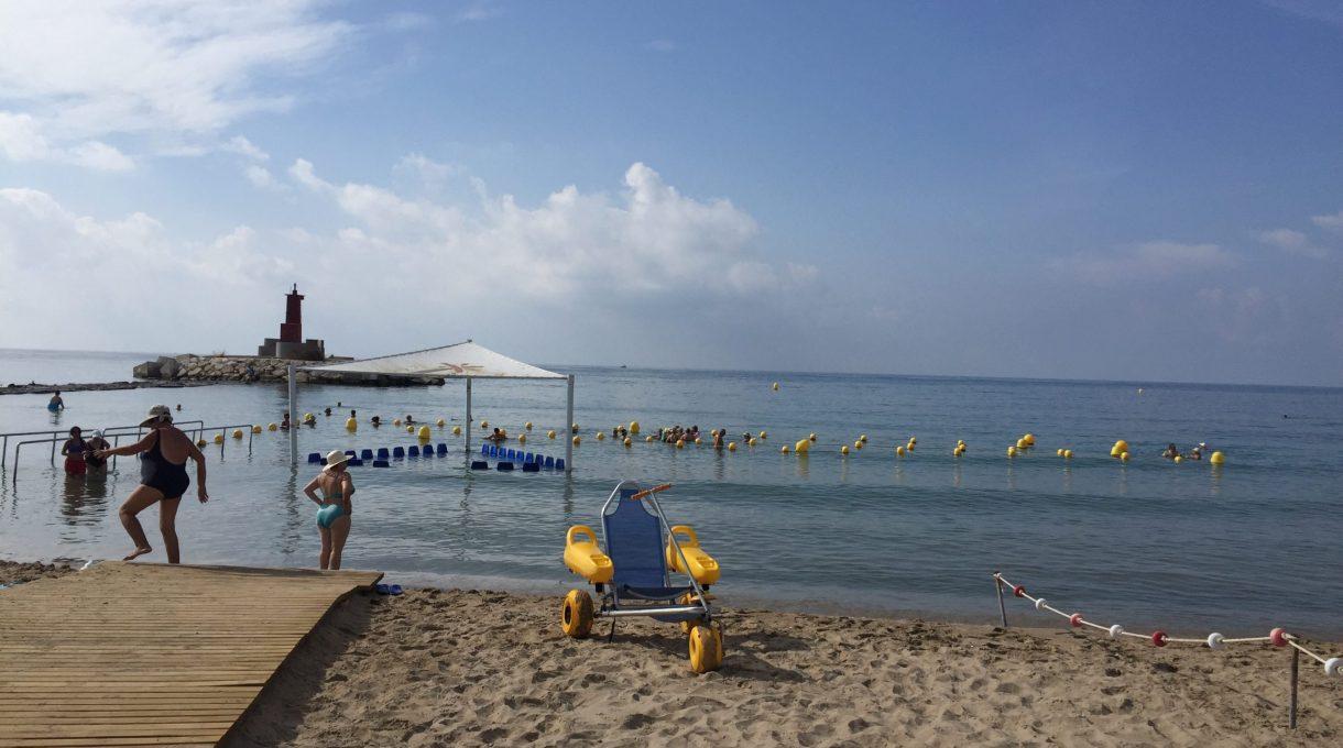 Diferencias entre playas accesibles y playas con baño adaptado 29