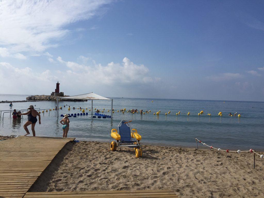 Diferencias entre playas accesibles y playas con baño adaptado 5