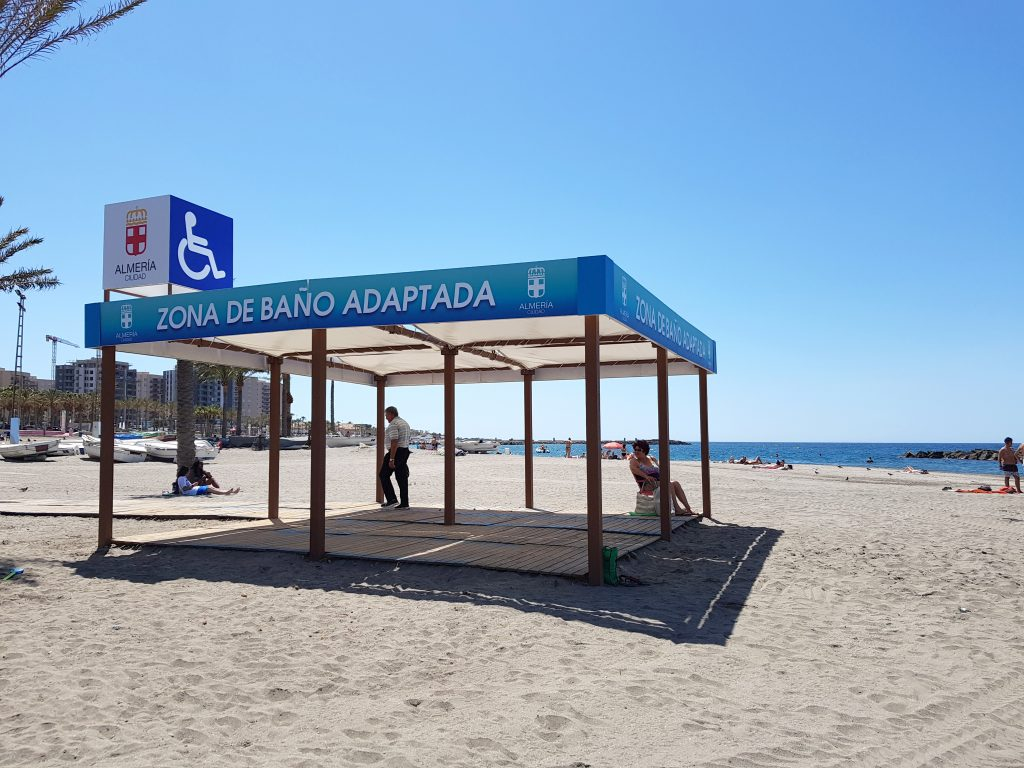 Tipos de mobiliario urbano para playas 11
